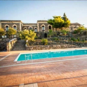 Гостиница Villa Casina dell'Etna, Рагална